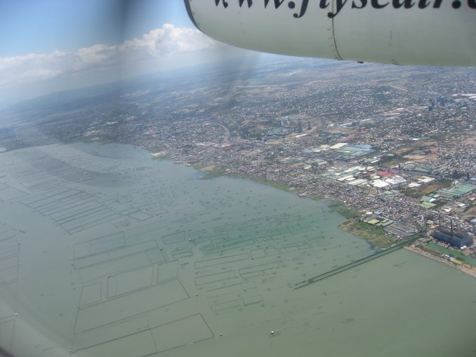 Filipiny Wylot z Manili widok z samolotu