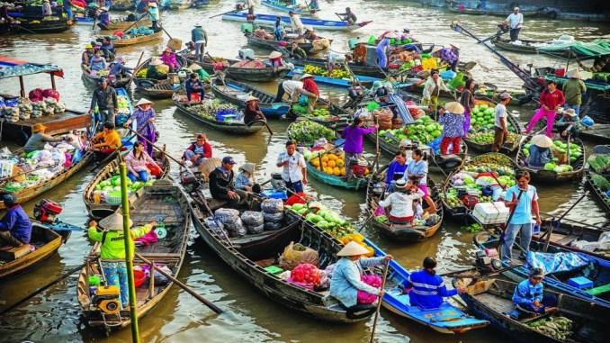 Odwiedz-Plywajacy-Rynek-BANGKOK
